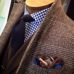 For these last day of freezing winter: a perfect #bespokecoat in cashmere/wool info@sartoriabespoketailors.com