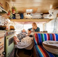 1 camper enters the center of the circle with a ball. Also the majority of the camper finds such type of the knife is beneficial in wilderness camping. Camper Van Life, Vw Camper, Hippie Camper, Camper Hacks, Volkswagen Bus, Motorhome, Vanz, Van Home, Cool Campers