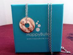 Happybulle est une entreprise Bordelaise qui propose une vaste gamme de bijoux gravés avec le dessin de votre enfant ou autre. Super idée cadeaux garantie ! Grave, Washer Necklace, My Photos, Jewelry, Engraved Jewelry, Business, Gift Ideas, Silver, Children