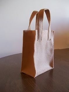 Felt grocery bag DIY ** would be cute to make for the boys kitchen