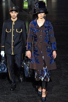 Louis Vuitton Fall 2012 Ready-to-Wear Fashion Show - Caroline Brasch Nielsen (Elite)