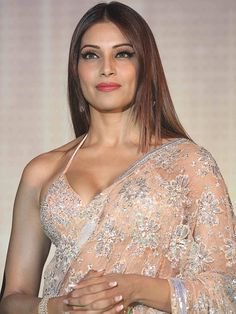 Gorgeous Bollywood actress Bipasha Basu