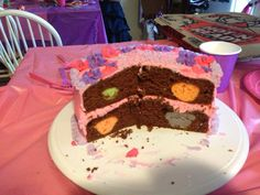 Cut away of Aisling's cake.