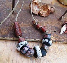 Puissance Expressive : un collier de caractère bohème tribal