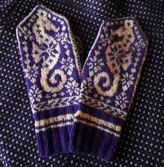 "Ravelry: ""Selbuvott or not"" alias Selbu Sea Horse Mittens pattern by Tori Seierstad Mittens Pattern, Knit Mittens, Knitted Gloves, Fingerless Gloves, Knitting Projects, Crochet Projects, Diy Projects, Hand Knitting, Knitting Patterns"