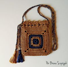 Embroidery for Beginners & Embroidery Stitches & Embroidery Patterns & Embroidery Funny & Machine Embroidery Crochet 101, Love Crochet, Crochet Gifts, Crochet Diagram, Crochet Shell Stitch, Crochet Stitches, Easy Crochet Projects, Crochet Handbags, Crochet Bags