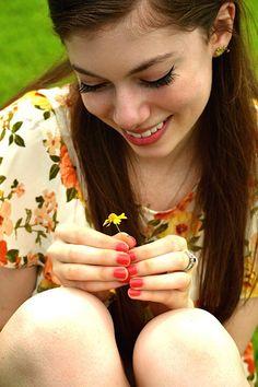 Pretty flower Pretty Flowers, Pearl Earrings, Engagement Rings, Pearls, Pearl Drop Earrings, Enagement Rings, Beautiful Flowers, Wedding Rings, Commitment Rings
