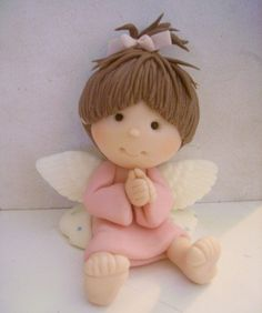 angels in cold porcelain Polymer Clay Figures, Cute Polymer Clay, Polymer Clay Dolls, Polymer Clay Projects, Polymer Clay Creations, Clay Angel, Polymer Clay Christmas, Angel Crafts, Clay Baby