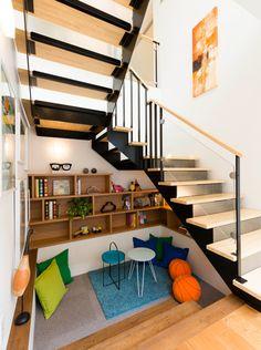 Staircase Storage, Staircase Design, Interior Stairs, Interior Architecture, Home Room Design, House Design, Kerala Traditional House, Washbasin Design, Casa Loft
