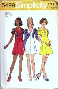 Vintage sewing pattern Simplicity 5499 dress collar Junior Petite Bust 33 Mini Skirt Simplicity Junior Petites and Simplicity Sewing Patterns, Vintage Sewing Patterns, Clothing Patterns, Dress Patterns, 60s And 70s Fashion, Retro Fashion, Vintage Fashion, Seventies Fashion, Patron Vintage