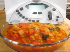 Pisto Manchego con Thermomix - La Alacena de MO Spanish Food, Fruit Salad, Macaroni And Cheese, Mexican, Cooking, Healthy, Ethnic Recipes, Home, Vegetables