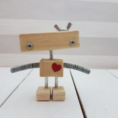 Used Woodworking Tools For Sale tools for beginners tools for sale tools homemade tools jigs tools must have tools workshop Woodworking Mallet, Woodworking Tools For Sale, Woodworking Classes, Woodworking Projects, Woodworking Basics, Woodworking Videos, Making Wooden Toys, Diy Robot, Old Tools