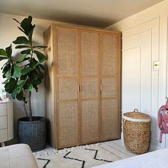 We love this shot from ! Get rattan ready with our CANOPY 3 door wardrobe, made with FSC certifed wood. Diy Furniture Renovation, Diy Furniture Cheap, Diy Furniture Hacks, Furniture Design, Furniture Legs, Barbie Furniture, Garden Furniture, Bedside Table Ikea, Estilo Interior