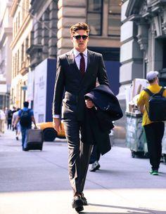 c68d14b029 schwarzer anzug kariertes hemd krawatte Gentleman Stílus, Stílusos Férfiak,  Stylish Outfits, Stílusos Ruhák
