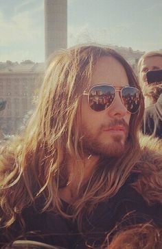 JARED LETO please follow me,thank you i will refollow you later