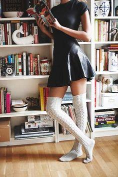 Freie Leute Frauen Filomena Overknee Socke skirt skirt skirt skirt outfit skirt for teens midi skirt Thigh High Socks Outfit, Knee High Socks Outfit, High Socks Outfits, Over Knee Socks, Black And White Socks, Gq, Stockings Outfit, Style Feminin, Tall Socks