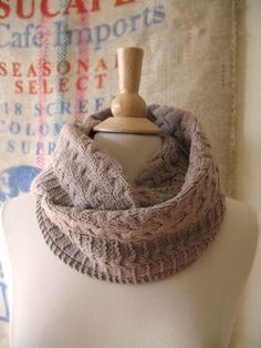 Deephaven cowl pattern by Bonnie Sennott (knitting, cowls, infinity scarf, cables, seamed)