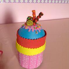 Cupcake de Eva com porta cotonetes
