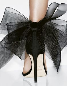 Fashion Art, Fashion Shoes, Fashion Design, Drawing Fashion, Fashion Outfits, Fashion Details, Stylish Outfits, Seventeen Magazine, Shoe Art