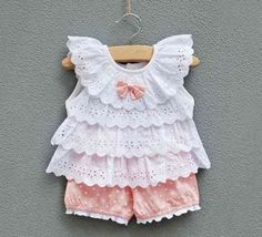 Baby clothes should be selected according to what? How to wash baby clothes? What should be considered when choosing baby clothes in shopping? Baby clothes should be selected according to … Baby Girl Dresses, Baby Outfits, Toddler Outfits, Kids Outfits, Infant Dresses, Summer Outfits, Summer Shorts, Baby Girl Fashion, Fashion Kids