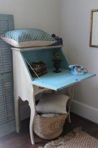 Mom's desk blueeggbrownnest.com