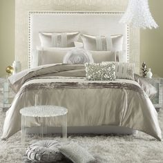 Bedroom Delightful Hollywood Glamour Luxury Bedding With Modern Headboard And Fur Rug Also Luxurios Pendant Lamps Personable Hollywood Glam Bedding Design Ideas Mais Bling Bedroom, Gold Bedroom Decor, Silver Bedroom, Bedroom Black, Modern Bedroom, Bedroom Ideas, Bedroom Designs, Glam Bedding, Luxury Bedding