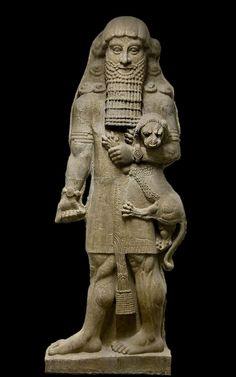Figura de Gilgamesh del palacio de Sargon II  (Museo del Louvre).   El poema de Gilgamesh corresponde a un mito sumerio elaborado en torno a la figura de un personaje, Gilgamesh de Uruk, convertido en leyenda, pero cuya historicidad es objeto de debate.