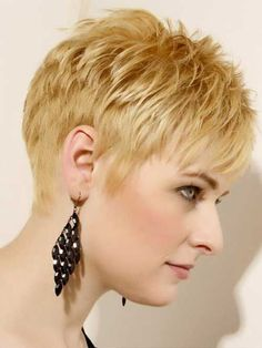 25 Popular Layered Short Haircuts | http://www.short-haircut.com/25-popular-layered-short-haircuts.html