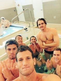 Coucou. | L'équipe américaine masculine de water-polo va vous donner chaud