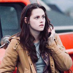 #twilight #twilightsaga Vampire Twilight, Twilight 2008, Twilight Movie, Twilight Saga, Bella Swan Vampire, Kristen Stewart Fan, Kristen Stewart Twilight, Bella Cullen, Edward Bella