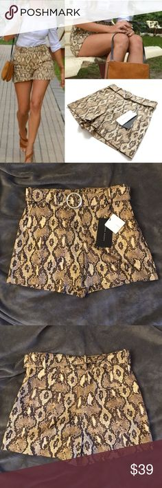 """Zara Women's Snake Print High-Waisted Shorts Zara Women's Snake Print High-Waisted Shorts  Stunning pair of snake print belted shorts from Zara. These gorgeous shorts from Zara are crafted from a soft, lightweight cotton blend material, featuring a striking snake print design they are tailored in a chic high-waisted style with a belt at the waist, front side slip pockets and two back welt pockets.  EU / US / IT S  Measurements: Waist: 14"""" Length: 14"""" Front Rise: 11""""   97% Cotton, 3% Elastane…"""