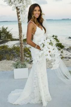 Mermaid Spaghetti Straps Sweep Train Ivory Sleeveless Lace Backless V-Neck Wedding Dress PM234