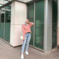 Dress hijab casual new Ideas – Hijab Fashion 2020 Modern Hijab Fashion, Street Hijab Fashion, Hijab Fashion Inspiration, Muslim Fashion, Hijab Casual, Casual Outfits, Fashion Outfits, Fashion 101, Casual Jeans