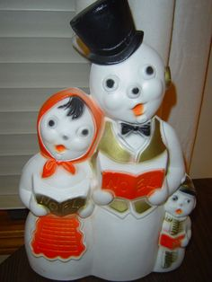 BLOWMOLD SNOWMAN RARE OLD CHRISTMAS CAROLERS Vtg OUTDOOR LIGHTED LAWN DECOR