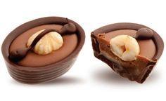Конфеты ручной работы Frade МАТЕЛОТ Сливочная начинка с карамелью в темном шоколаде, цельный обжаренный фундук