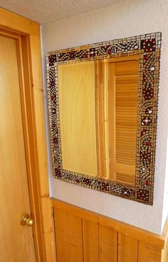 Stained Glass Mirror with Mirror pieces for great light reflection: