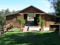 Horse Stables Sydney | Horse Paddock Shelters & Stable Builders