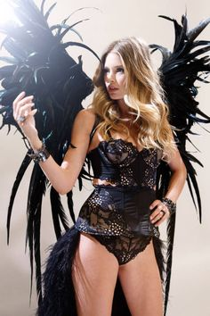 Doutzen Kroes Gets Fit For Her Angel Wings