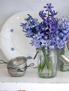 Beautiful and scented little display...love the chelsea plate