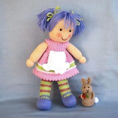 Lucy Lavender Tilly and Lulu doll knitting patterns por dollytime Knitted Doll Patterns, Crochet Baby Hat Patterns, Doll Patterns Free, Crochet Baby Hats, Knitted Dolls, Knitting Patterns, Knitting Ideas, Crochet Toys, Little Cotton Rabbits