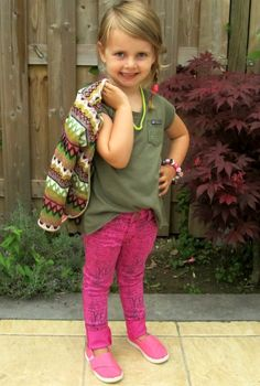 My review and my girl @Kindermodeblog = Kidsfashionblog = Kidsfashionblog = Kidsfashionblog