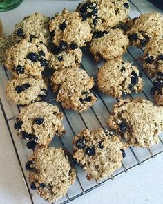 Blueberry Banana Oatmeal Cookies. Trying to make some healthier snacks for my fiancé for work. These cookies are pretty low in sugar for cookies and no oil. #vegan #veganfood #veganfoodshare #vegansnack #vegancookies #hclf #highcarbvegan #oatmeal #blueberries #banana #eatclean #healthyeating #dairyfree #eggfree #glutenfree #soyfree #herbivore #plantbased #carbs #carbthefuckup #yummy by veganhousewifey