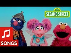 Super Grover flew over to sing If You're Happy and You Know it with Elmo and Abby but he likes singing it a little differently! Nursery Rhymes Lyrics, Bert & Ernie, Literacy And Numeracy, Classic Nursery Rhymes, Fraggle Rock, Jim Henson, Big Bird, Street Photo, Elmo