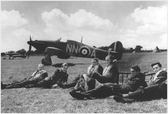 Battle of Britain pilot John Hemingway was a hero of the Battle of Britain in World War II. Aircraft Photos, Ww2 Aircraft, Military Aircraft, Hawker Hurricane, London History, Ww2 Planes, Battle Of Britain, Royal Air Force, World War Two