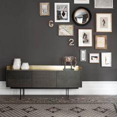 Mit Inspiration fängt alles an. Auf unserer Websitehaben wir die Rubrik Inspiration mit ständig neuen Wohnideen. Link in der BIo  #inspiration #furniture #interior #interiordesign #einrichten #möbel #ideen #sideboard #wohnen #bilderwand #stockholm #punt