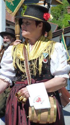 http://munichandco.blogspot.fr/2016/05/grand-defile-des-chasseurs-alpins.html