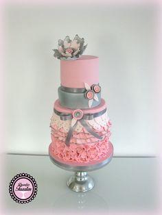 roze ruffel verjaardagtaart
