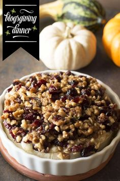 Baked Camembert with Cranberry Walnut Crust. Camembert Recipes, Queso Camembert, Baked Camembert, Milk Recipes, Baking Recipes, Appetizer Recipes, Snack Recipes, Yummy Recipes, Party Appetizers