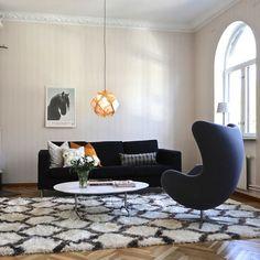 Berber Shaggy Illusia - Off White / Grå - CarpetVista Dark Carpet, Beige Carpet, Patterned Carpet, Berber, Cheap Carpet Runners, Stair Treads, Carpet Stairs, Living Room Carpet, Lounges