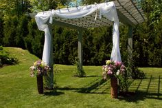 #hoopah #weddingideas #ceremony #flowers #busybeeflorist #purple #white #pink #spring #outdoors